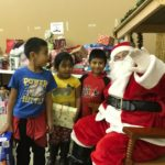 Video: Santa gives away gifts on Christmas in Hollister